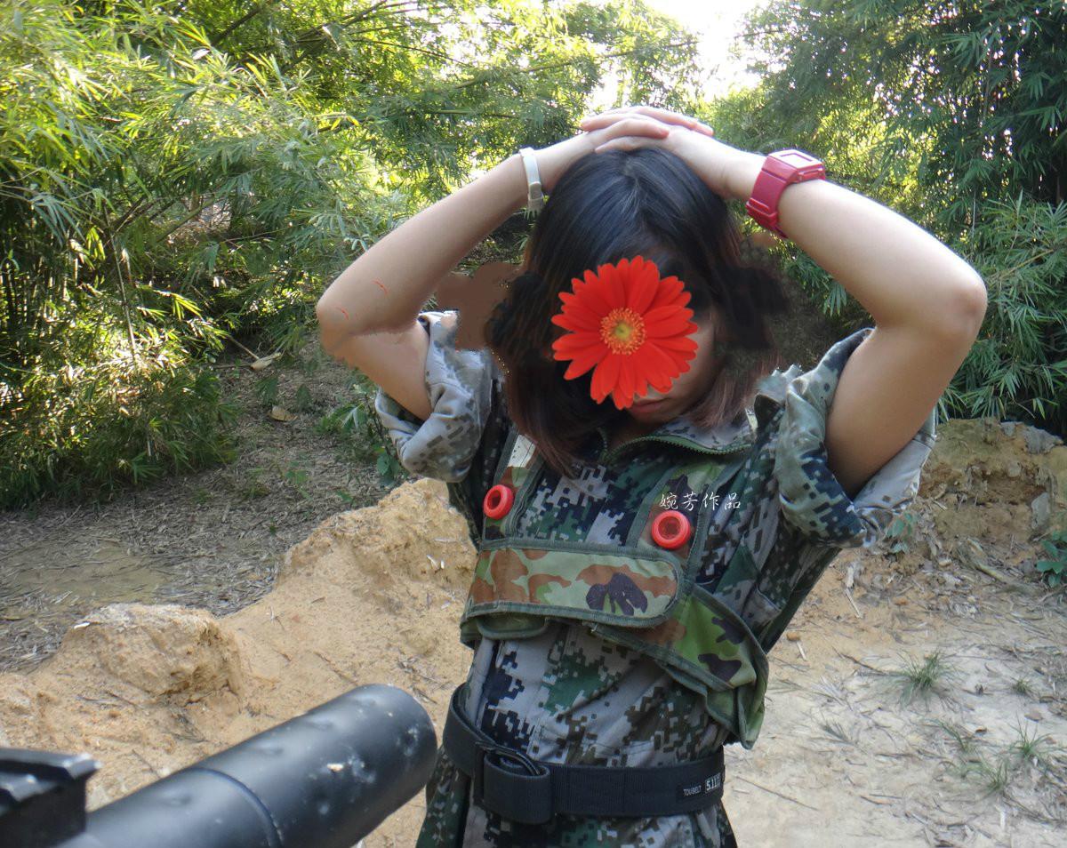 去丛林练兵一切为了打赢野战!好刺激发现敌人即刻剥光脱脱这也是一种战术