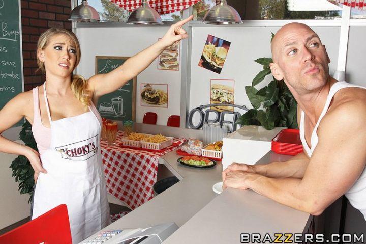 厨房里插荡妇--Kagney