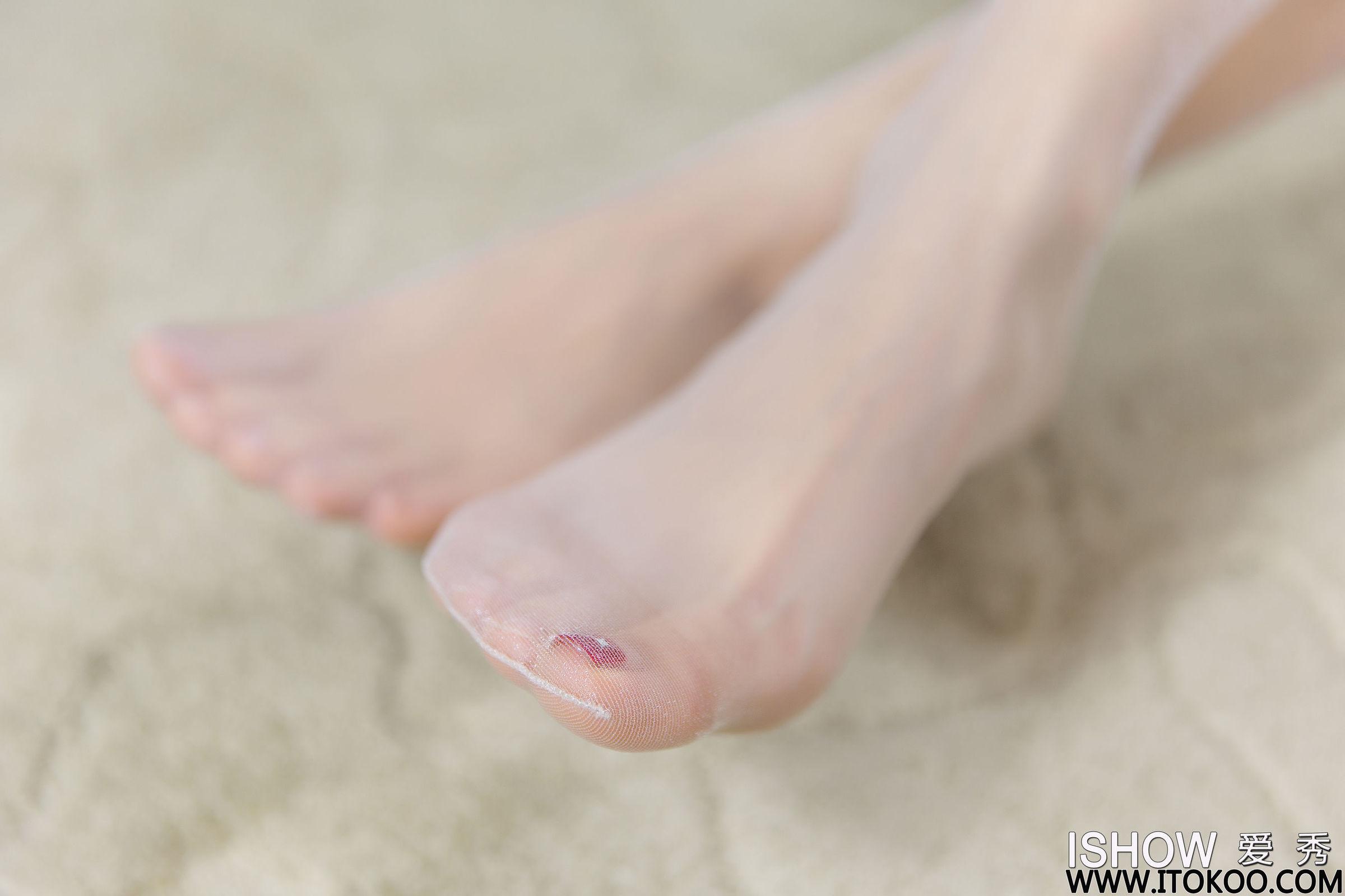 小凡 丝袜美腿写真套图