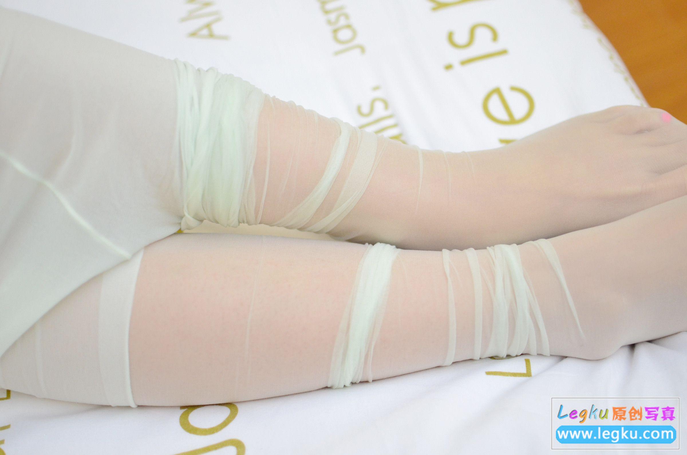超薄黄色丝袜丝足 写真套图2