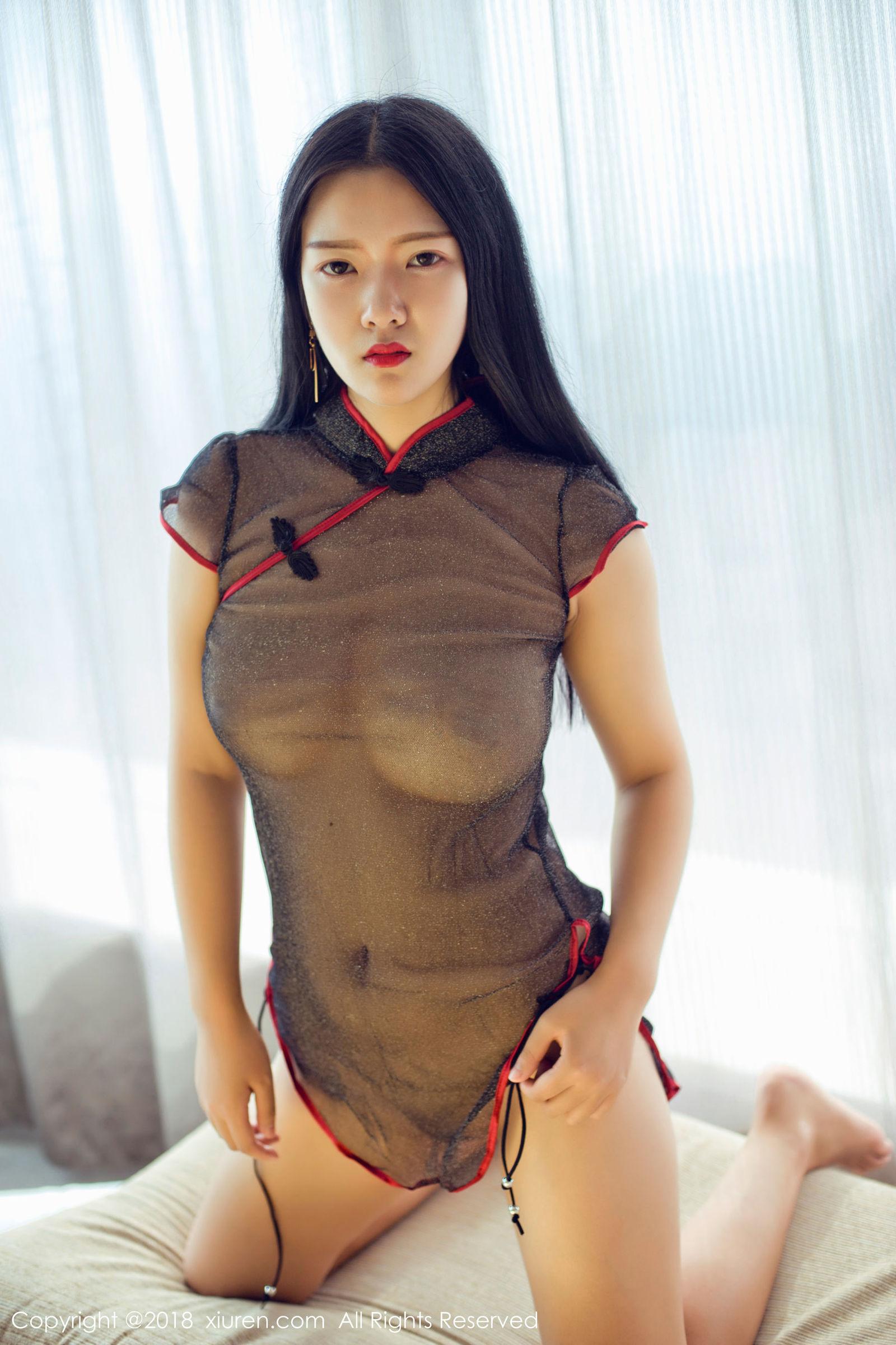 凌希儿 - 白衬衣+吊带丝袜+真空旗袍系列