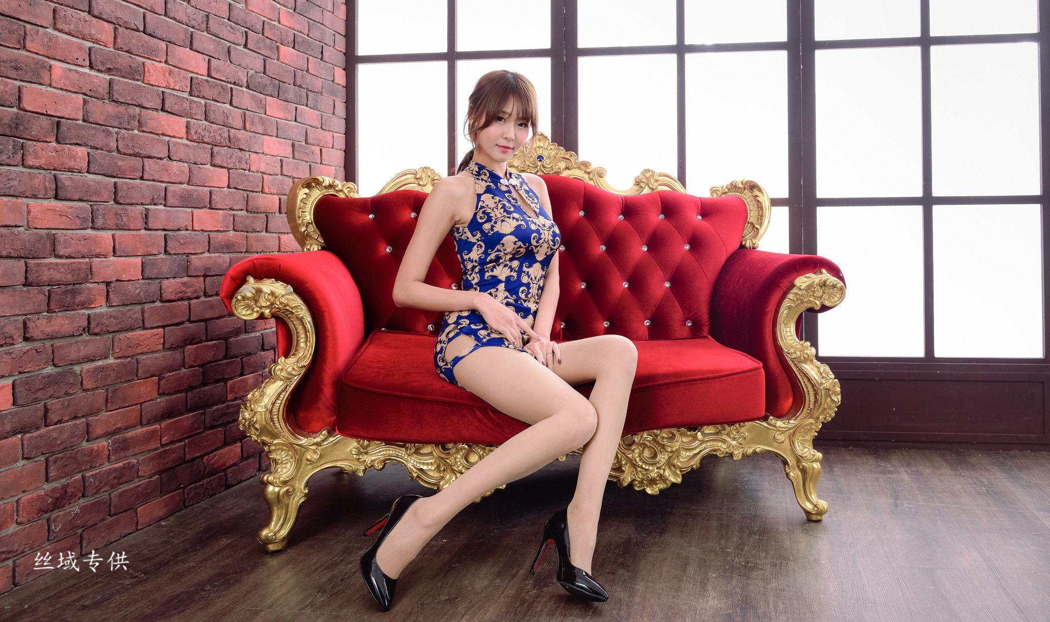 [台湾正妹] Winnie小雪 - 3套美腿优雅服装写真图片合集