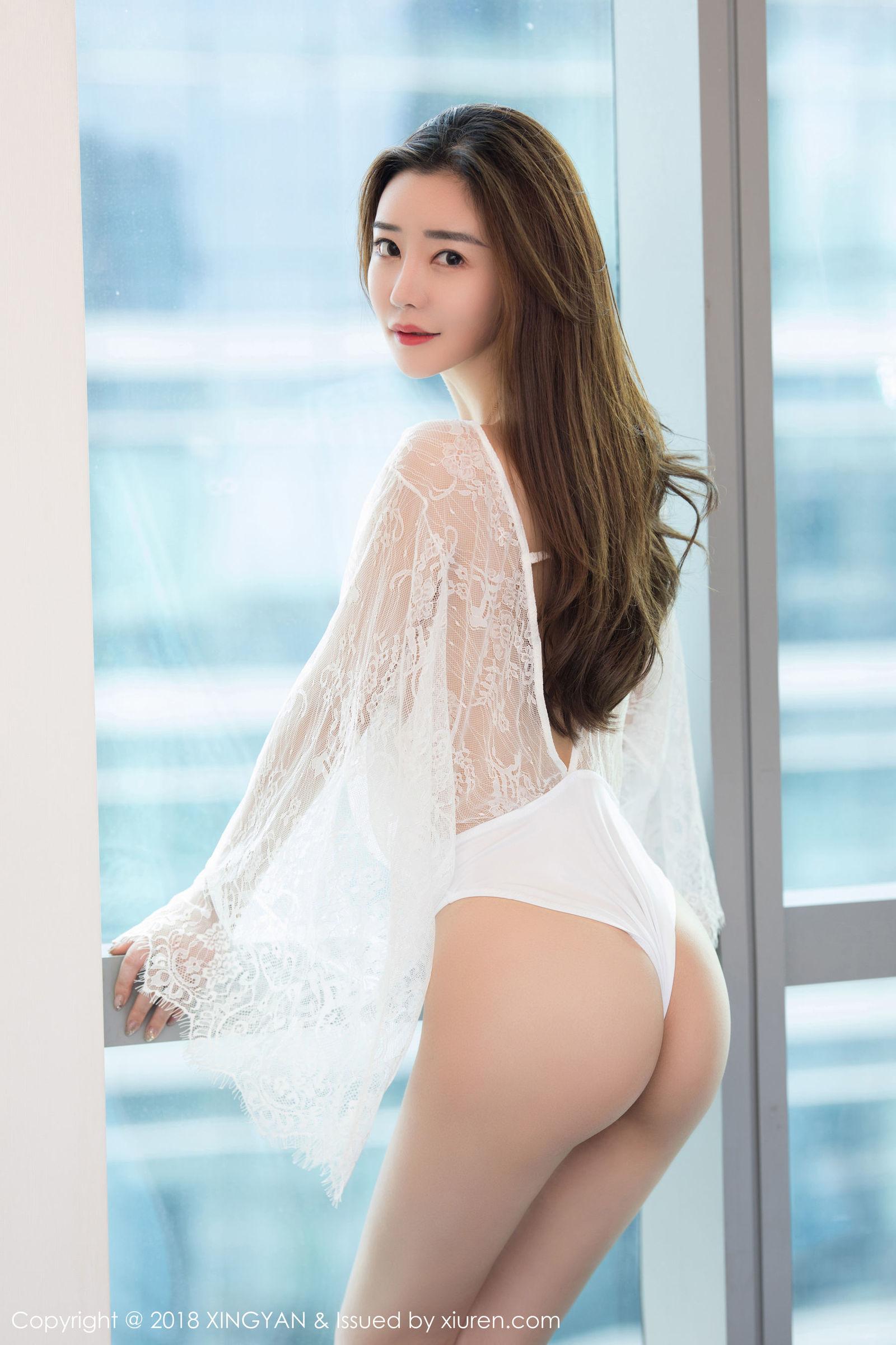气质模特@佟蔓baby性感蕾丝内衣写真