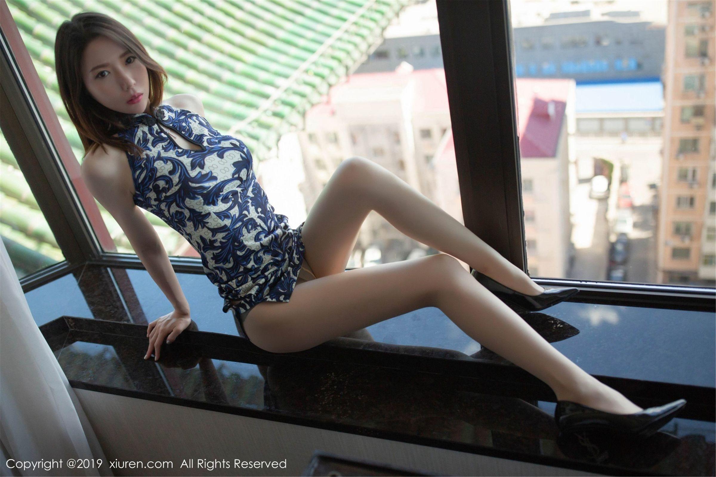 模特@梦心月旗袍丝袜写真