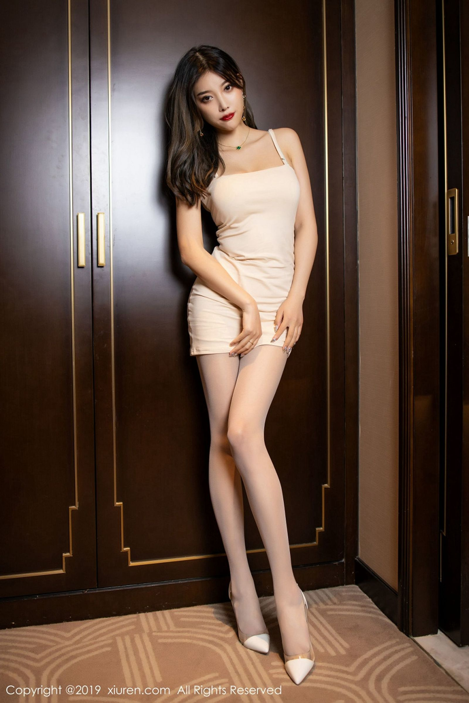 性感女神@杨晨晨sugar蕾丝美腿写真