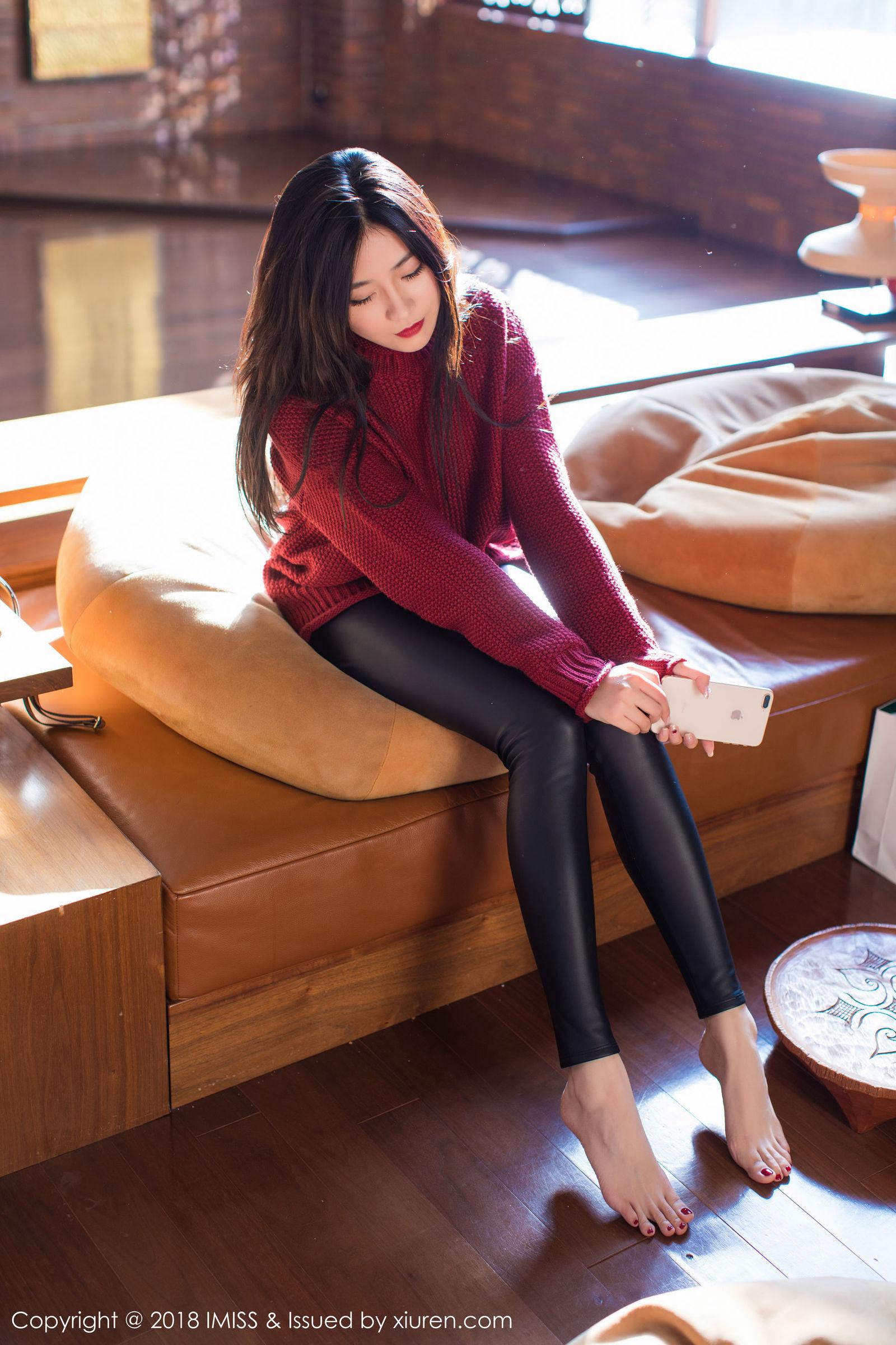 许诺Sabrina - 黑丝OL加紧身皮裤系列