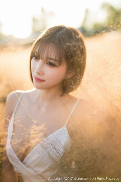 甜美女神@杨晨晨sugar性感室外写真
