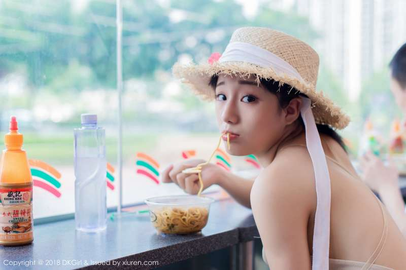 童颜美乳女神@苍井优香街拍
