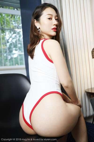 模特~张恬恬首套写真