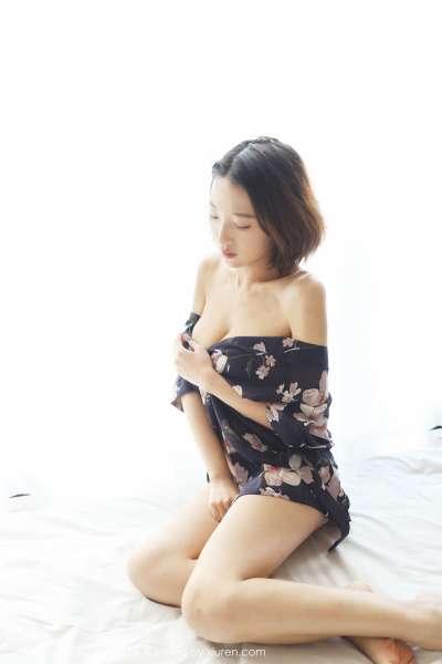 模特~栗子Riz旗袍内衣写真