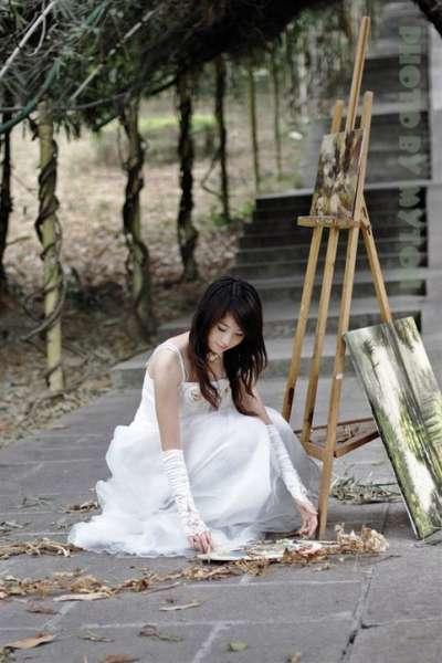 气质美女唯美婚纱系列套图