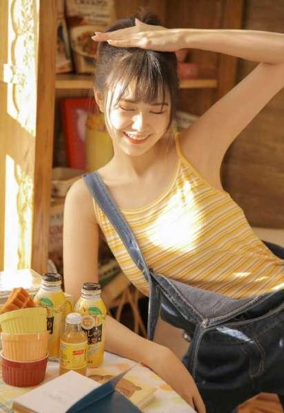 日本诱人大胸美女