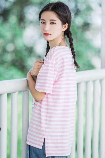 80后清纯美女哈拿花园唯美写真照